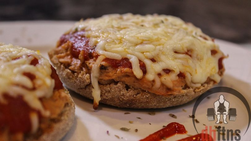 Healthy Mini Tuna Pizzas Recipe
