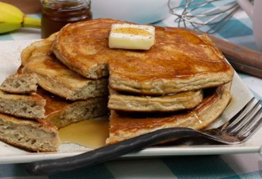 5 Ingredient Fluffy Protein Pancakes Recipe